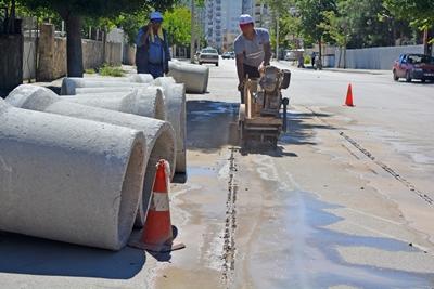 yağmur suyu drenaj hattı çalışmaları imam hatip sokakta devam ediyor1