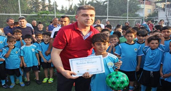 Kozan Belediyespor Futbol Yaz Okulunda sertifika töreni (5)