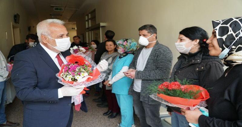 Feke Belediye Başkanı Ahmet Sel'den Sağlık Çalışanlarına Moral