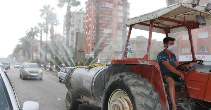 Çiftçiler Korona Virüsüne Karşı Kozanı Dezenfekte Etti