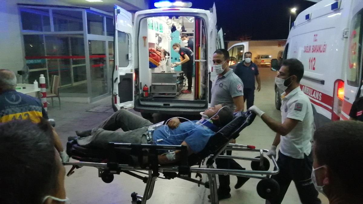 Kozan'da Biçerdöver Devrildi 1 Ağır 2 Yaralı