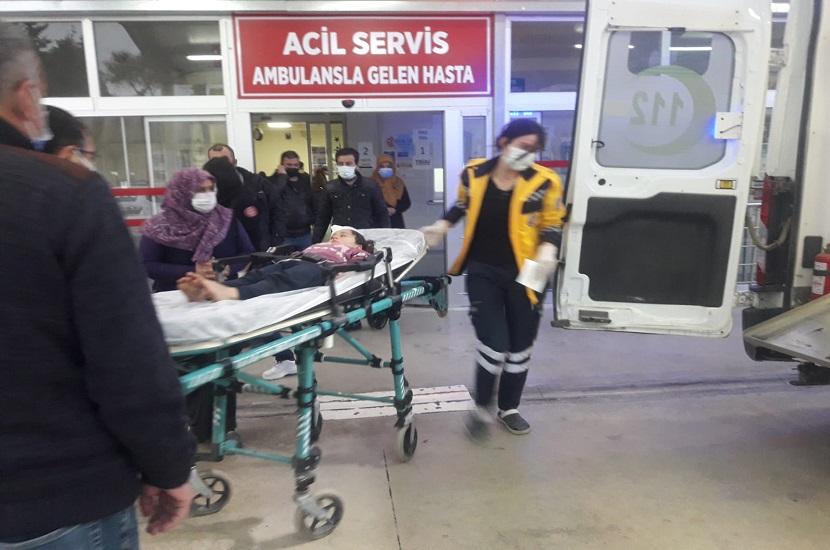 Kozan'da Motosiklet Çocuğa Çarptı 1 Ağır Yaralı