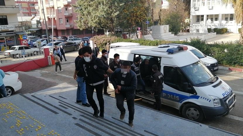 Kozanda Uyuşturucu Operasyonu 5 Tutuklama