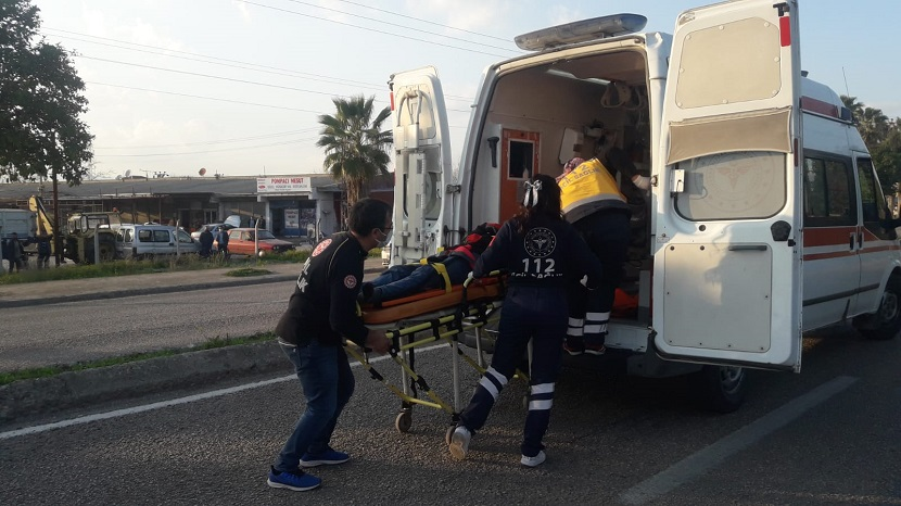 Köpeğe Çarpan Kasksız Motosiklet Sürücüsü Ağır Yaralandı