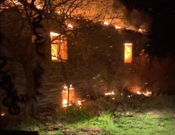 Kozan Bağteğe Köyü'nde Samanlık ve Ev Yangını