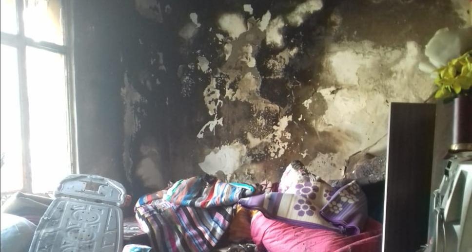 Kozanda Bir Evde Çıkan Yangında Yatak Odası Tamamen Yandı