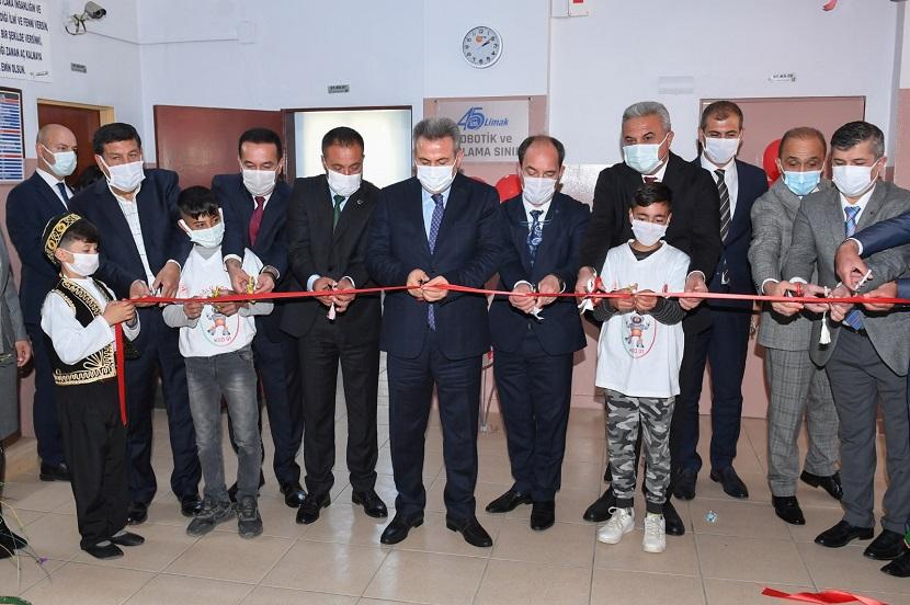 İmamoğlu'nda 12 Robotik Kodlama Sınıfı Açıldı