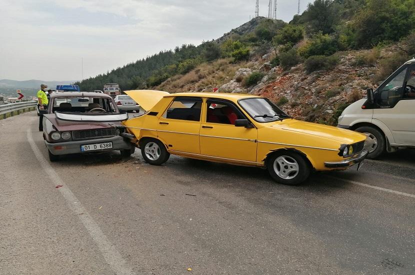 Kozanda Sırelif Mevkiinde Trafik Kazası 1 Yaralı