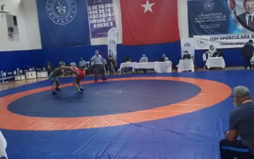 Kozanlı Güreşçi Türkiye Şampiyonu Oldu