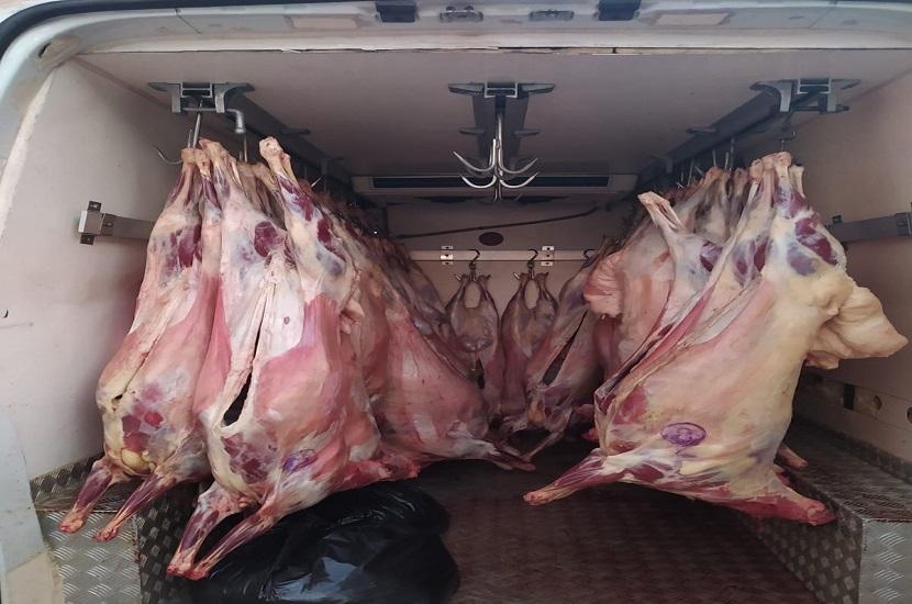 Kozan'da 2 Ton Kaçak Et Yakalandı