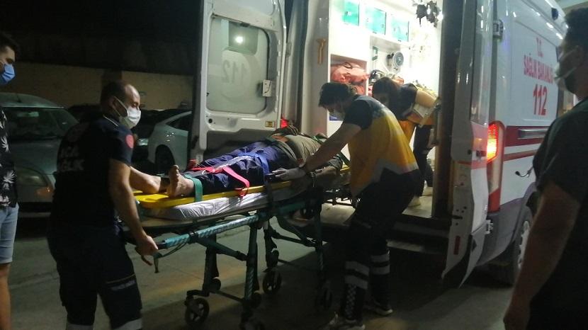 Kozanda Fıstık Ekiminden Dönen Emekli Polis Memuru Traktörden düşerek Yaralandı
