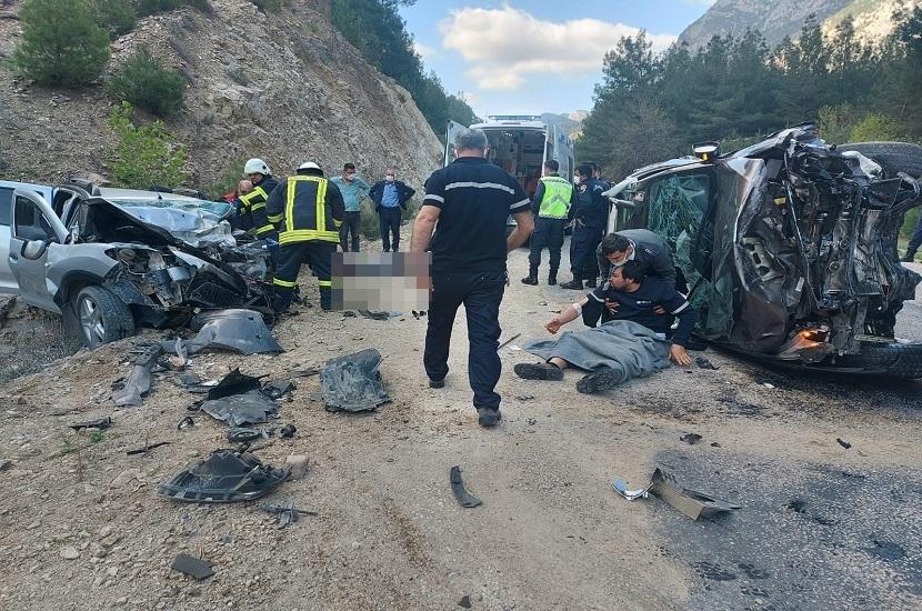 Feke Saimbeyli Yolunda 3 Kişinin Öldüğü Kazada Sürücünün Serbest Bırakılmasına Tepki