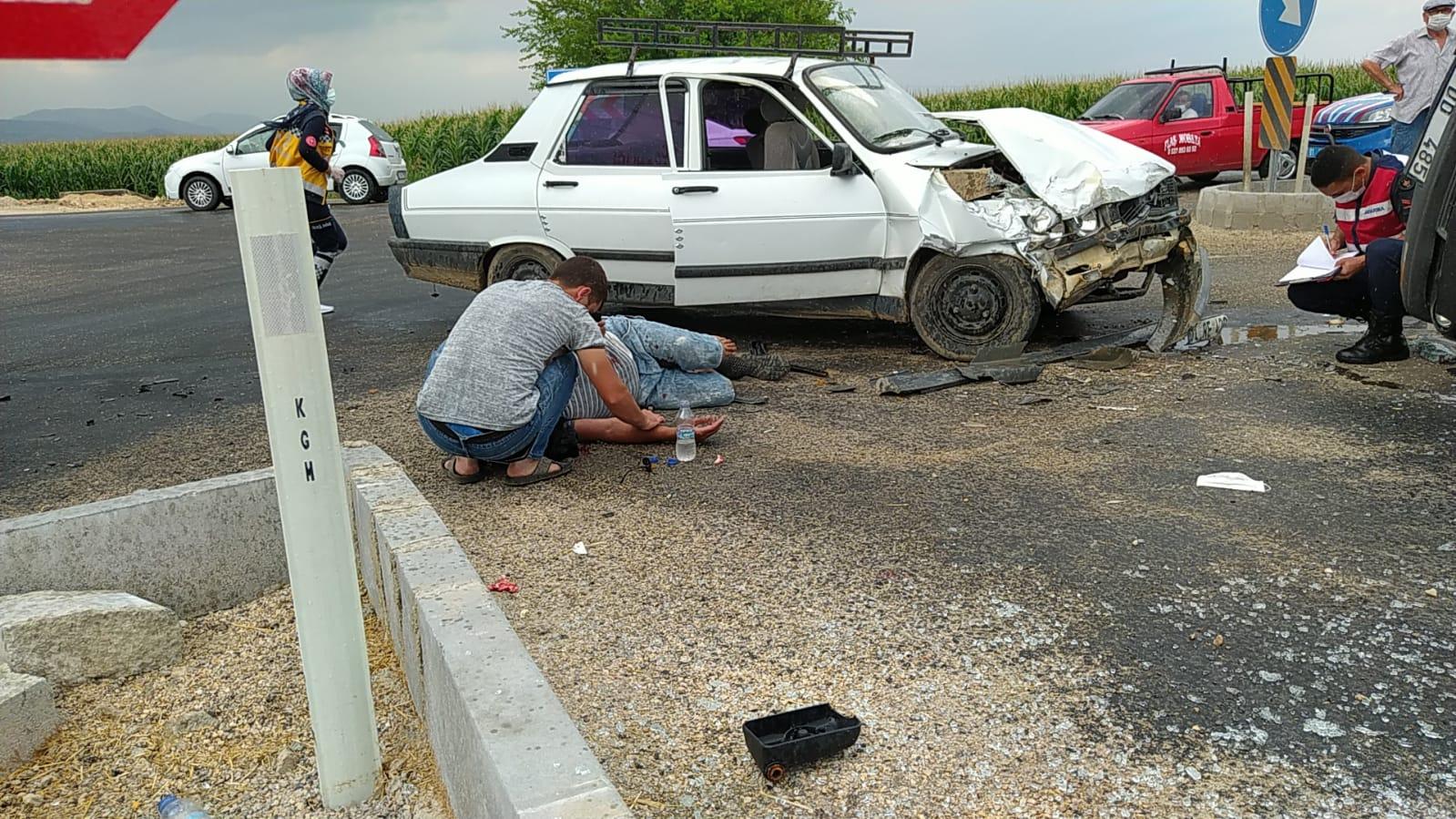 Kozan Kadirli Yolu Trafik Kazası 5 Yaralı