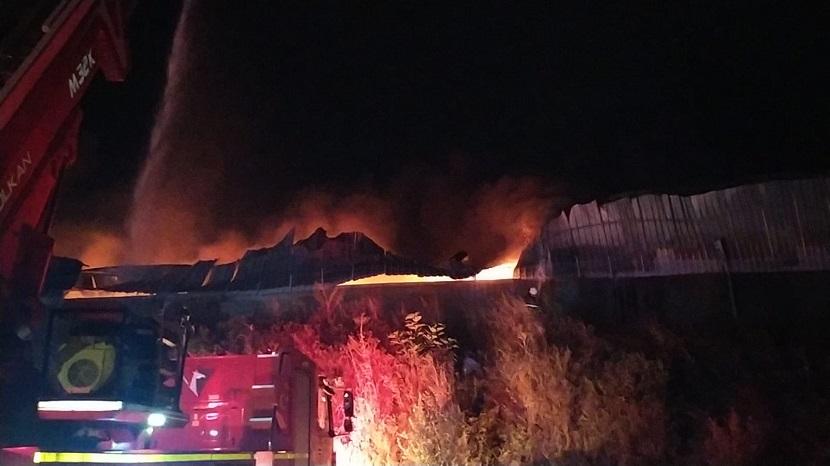 Kozan Organize Sanayinde Fabrika Yangını Fabrika Küle Döndü