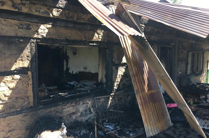 Saimbeyli'de Ev Yangını 1 Kişi Ağır Yaralandı