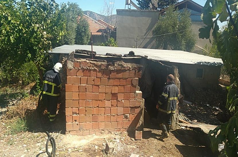 Kozanda Bir Evde Çıkan Yangın Korkuttu