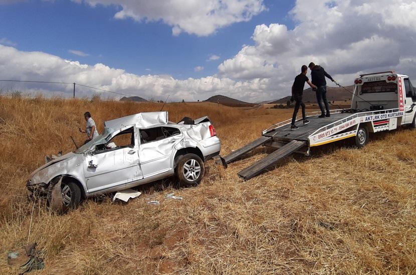 Tufanbeyli'de Trafik Kazası 1 Ölü 2 Yaralı