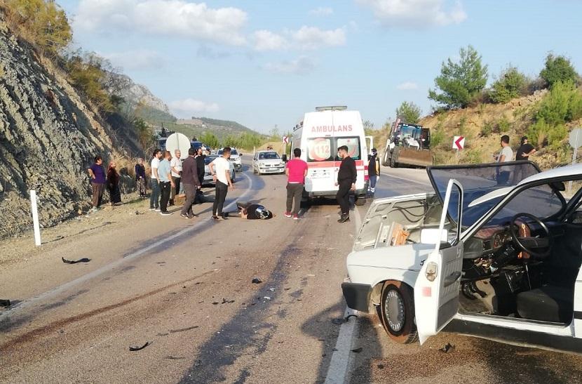 Kozanda Alkollü Sürücü Motorlu Ekibe Çarptı 1'i Ağır 3 Yaralı