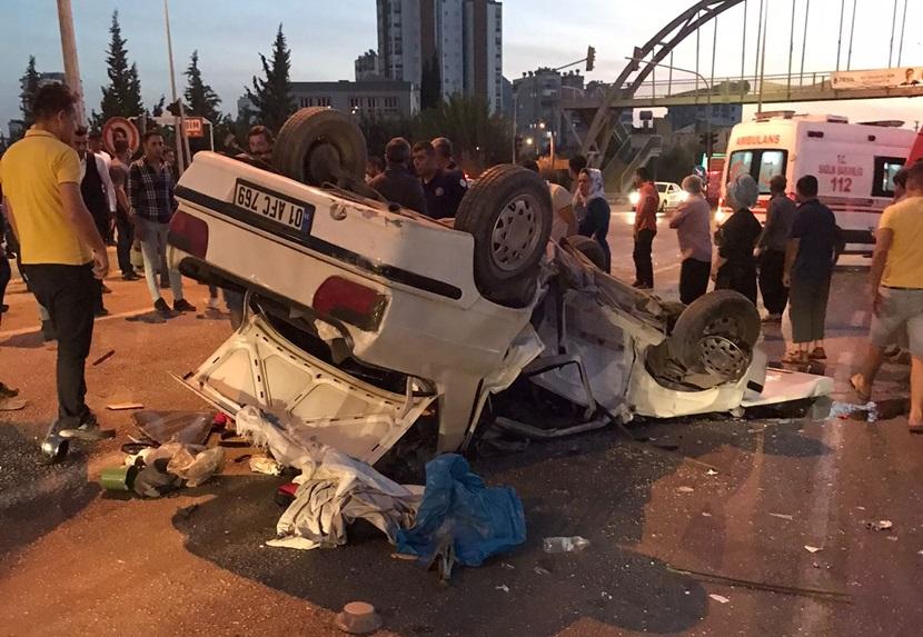 Kozan'daTrafik Kazası 3 Yaralı